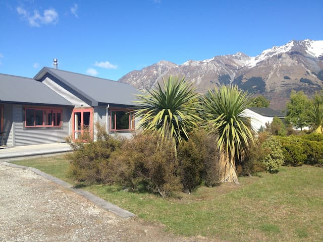 Spacious Glenorchy house - Glenorchy