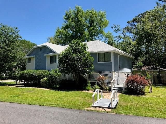 Family and Pet Friendly a Mile from the Beach!