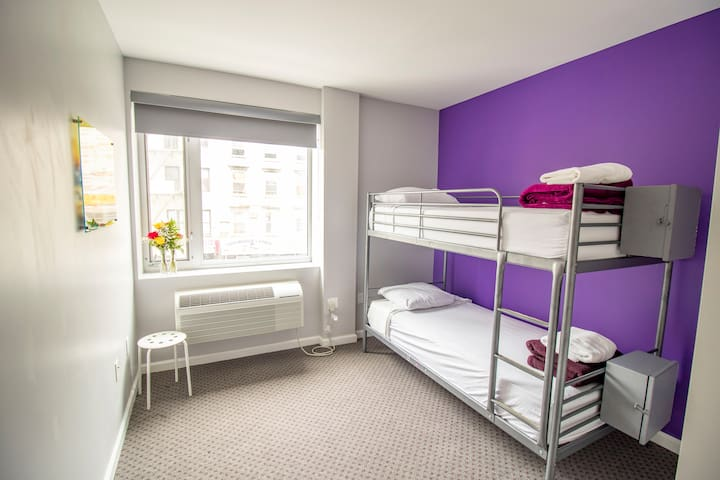 ★Premier 1 Bed in 2 Bed Female Dorm Room★