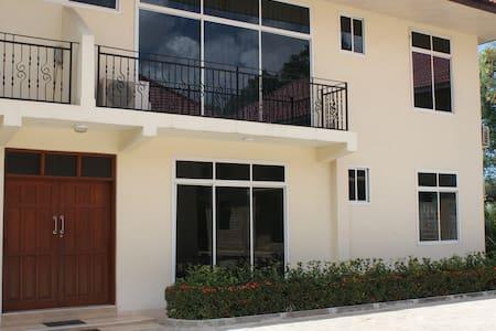 Lovely Apartment near Mlimani City