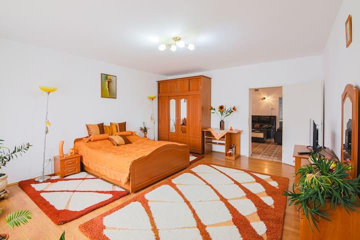 Bedroom (Domitor) 2