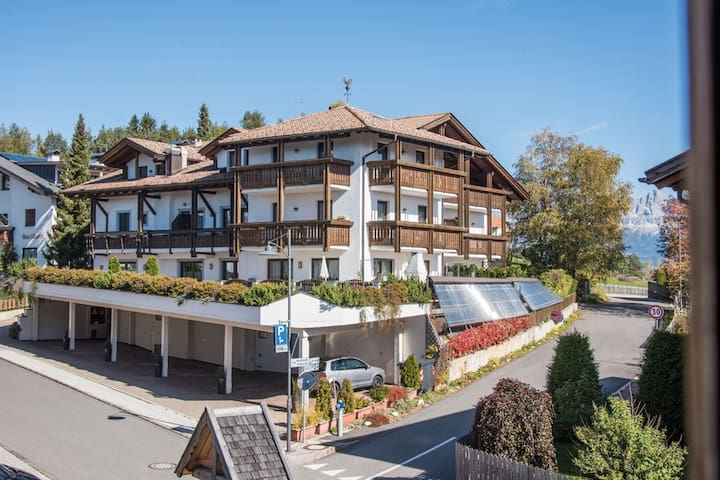 Cosy Apartment 'Feldhof Forest Dorf 102-4p' with Wellness Area, Fitness Room & Wi-Fi; Parking Available, Haustiere erlaubt