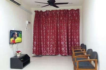 Homestay Fayyadhah Kuantan City 3 rooms, Aircond - クアンタン
