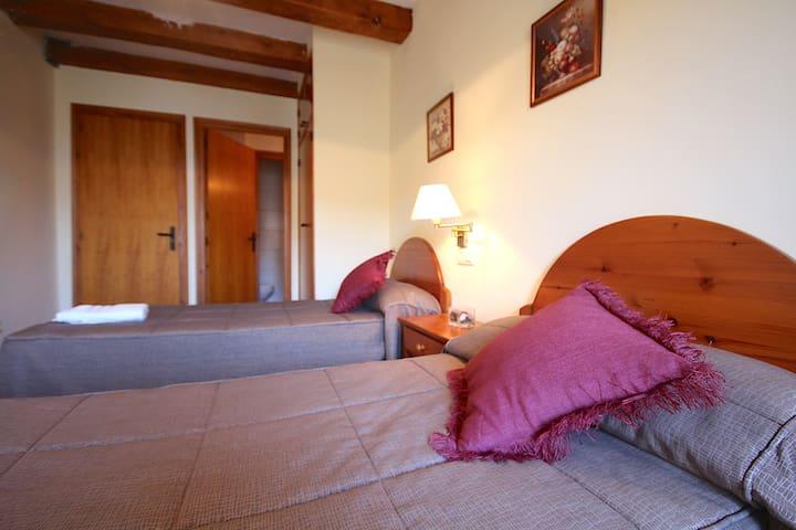 Centre del Montsec - 202 - Twin Room