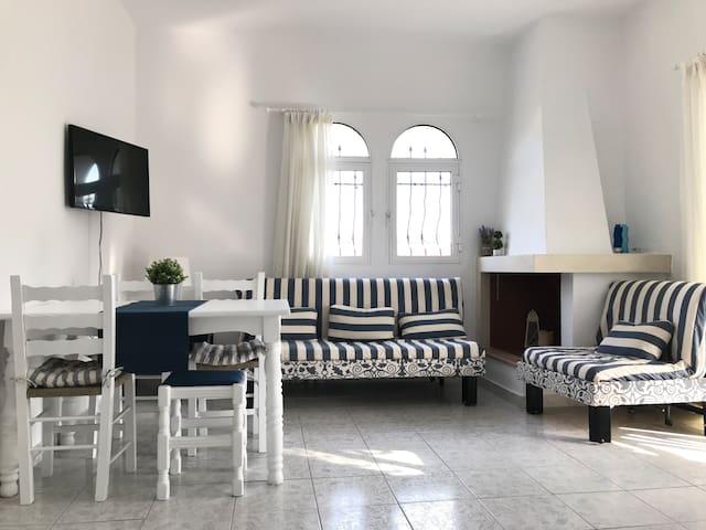 Quiet & Cozy Apartment near the beach - Fourka