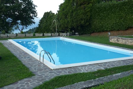 Sulle pendici del Monte Baldo con piscina - San Zeno di Montagna