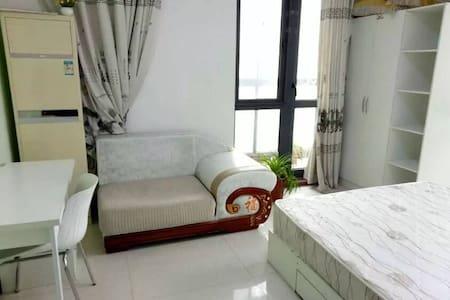 交通便利 温馨卧室 房屋舒适干净 - Zhengzhou Shi - 独立屋