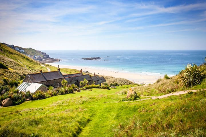 Penrose, Cornish Cottage With Sea Views, Garden & Patio By the Beach