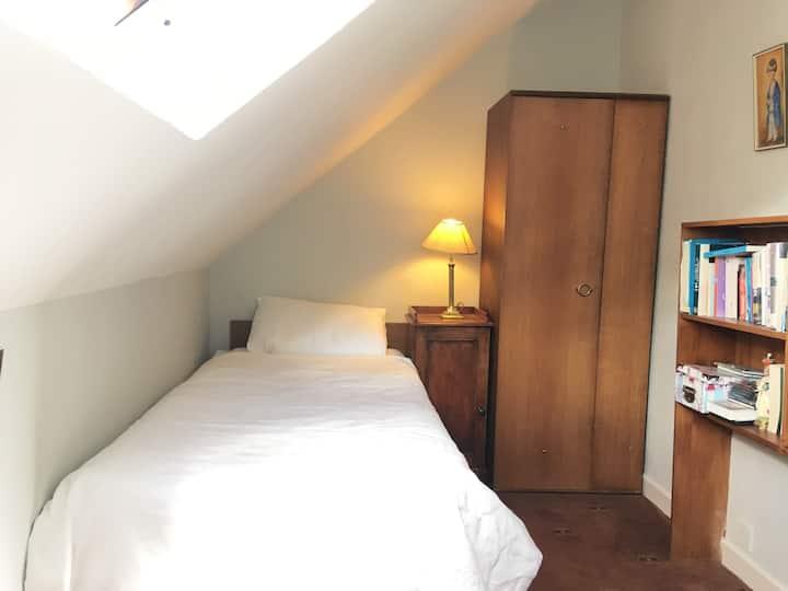Mount Merrion 4 - Single Room nr UCD & Bus Routes