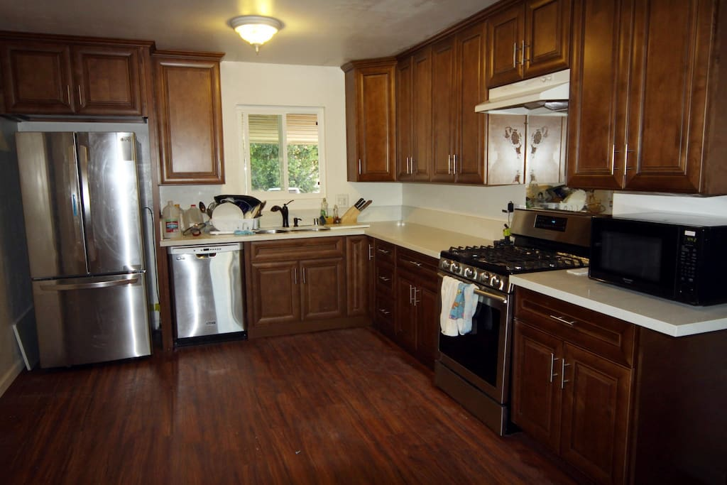 Fully equipped kitchen with lots of space