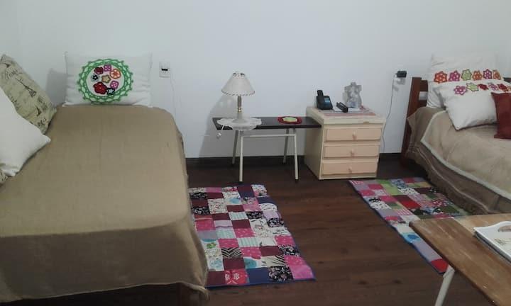 Habitación confortable cerca Tecnópolis/UNSAM/INTI
