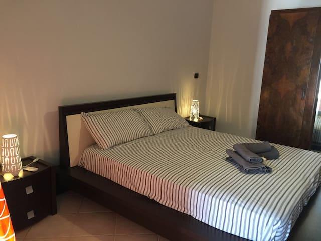 camera con bagno in villa San Vito Taranto Puglia