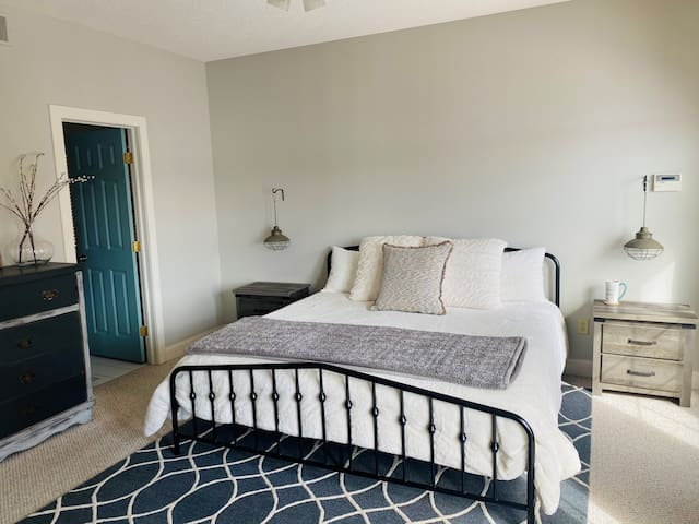 King size bed in master br.