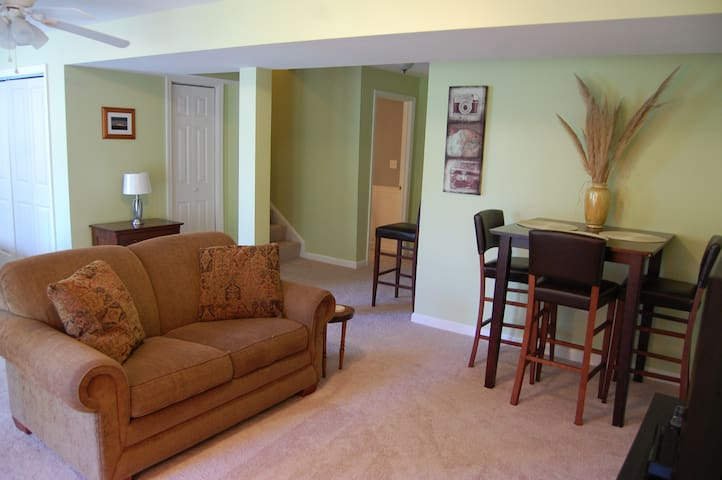 Bright & Spacious Suite with Private Entrance
