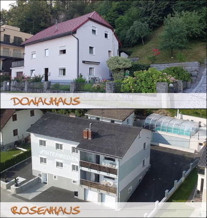 2 houses 350m², 11 rooms 28 single beds, near Linz