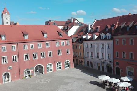 Großes Privatzimmer in der Regensburger Altstadt - Regensburg