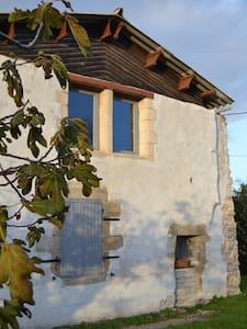 Rusti-gite - Lusseray - Rumah