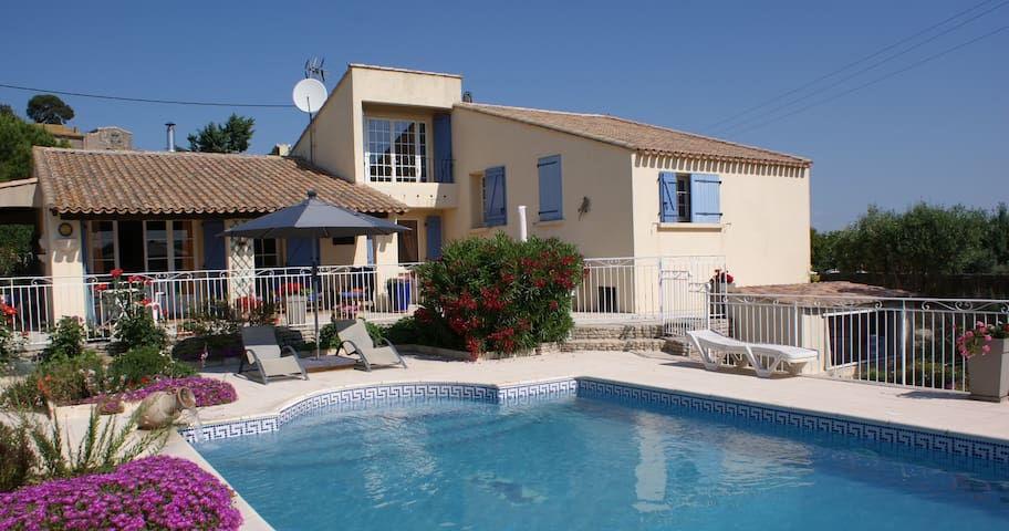 Mediterranean French Villa with pool, great views. - Saint-Pons-de-Mauchiens - Wohnung