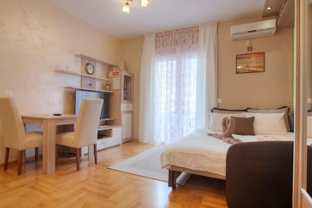 Romantic studio for 2 people in BUDVA,MONTENEGRO