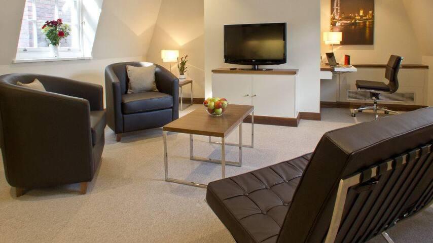 Suffolk Lane Apartments - Studio Suite - BST