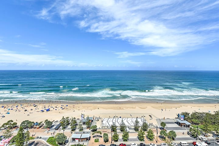 Spectacular Surfers Beach Views from Appartment