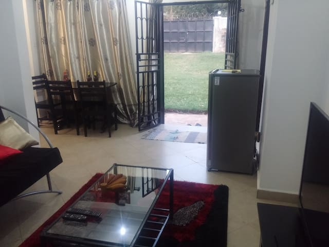 Fun and Party 2BR Home in Mengo near City Centre - Kampala - House