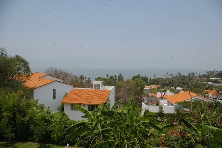 Lovely home in Chapala with spectacular view - Chapala - House