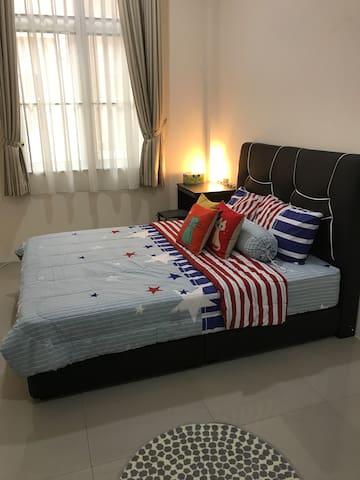 Modern, Cosy room in Kiarong, Downtown Brunei - Bandar Seri Begawan - House
