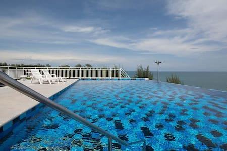 Beautiful  modern sea view condo in Mae Phim Beach