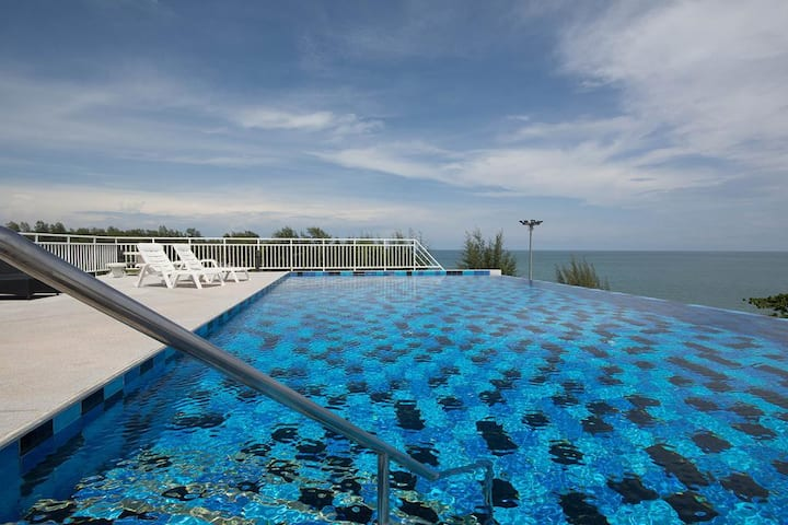 Beautiful  modern sea view condo in Mae Phim Beach