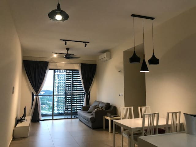 Room500m away from train station(klcc & midvalley)
