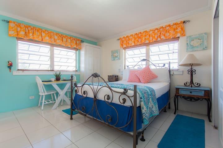 BALCONY RM, Carla's Cottage