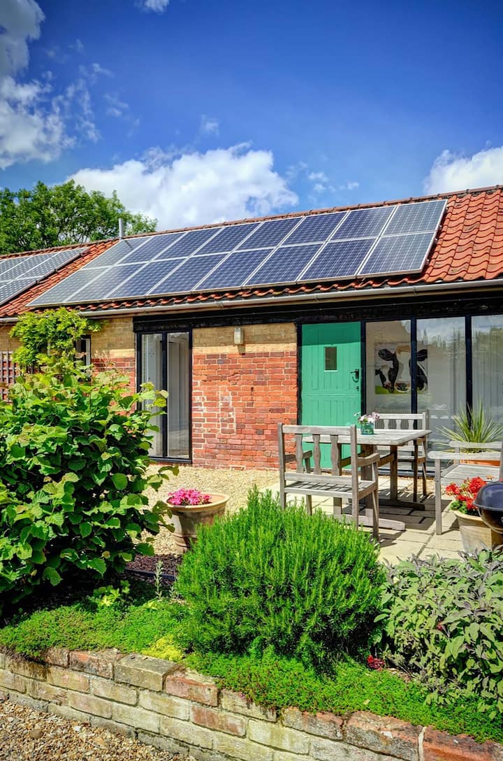 East Green Farm Cottages - The Granary