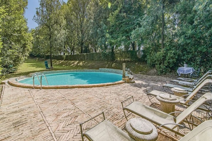 Traditional Villa in Filottrano with Swimming Pool