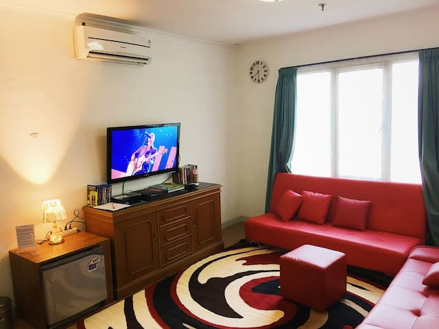 BRIGHT & BEST VALUE apartment in the HEART of Jkt