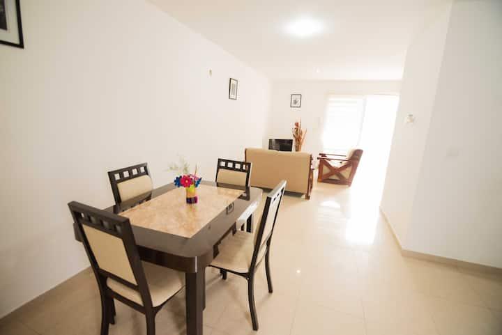 Residencial, Alberca, wifi y cochera.