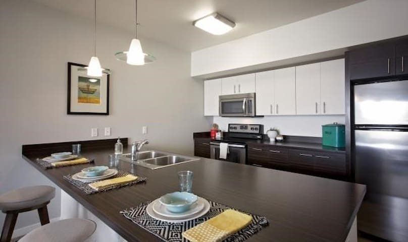 Cozy and Sun-filled One Bedroom on Mississippi Ave - Portland - Appartement