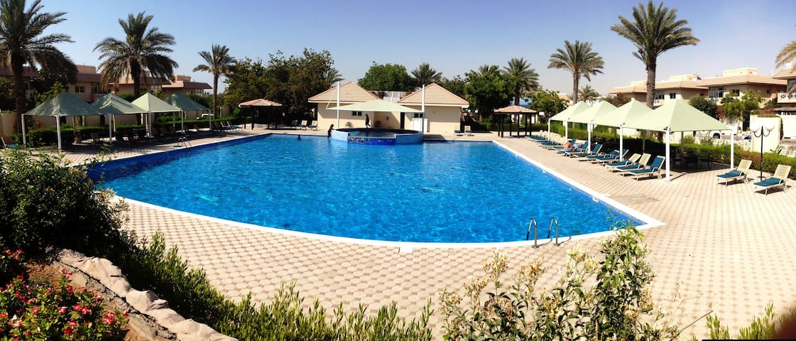 Villa - Pool - Tennis - Gym - Snooker-Tennis Table - Dubai - Vila