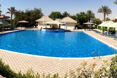 Villa - Pool - Tennis - Gym - Snooker-Tennis Table - Dubai - Villa