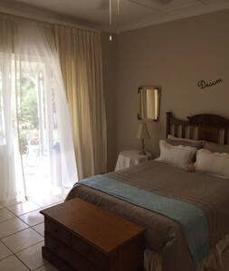 Eight Palms double on suite room - Port Edward