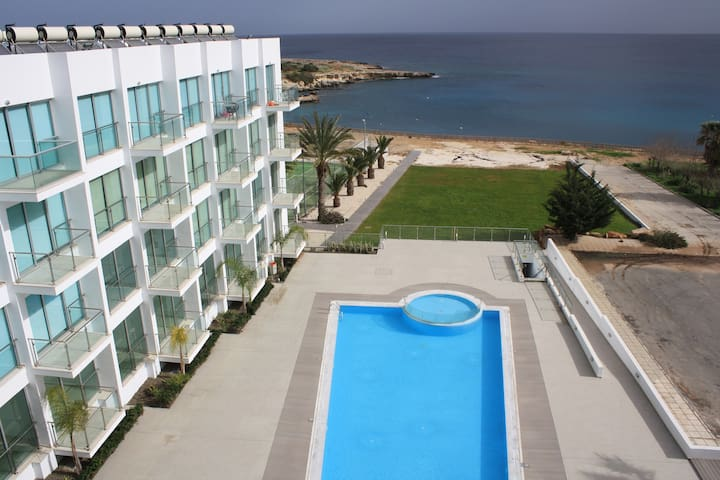 Modern apartment close to the beach (Coralli Spa)
