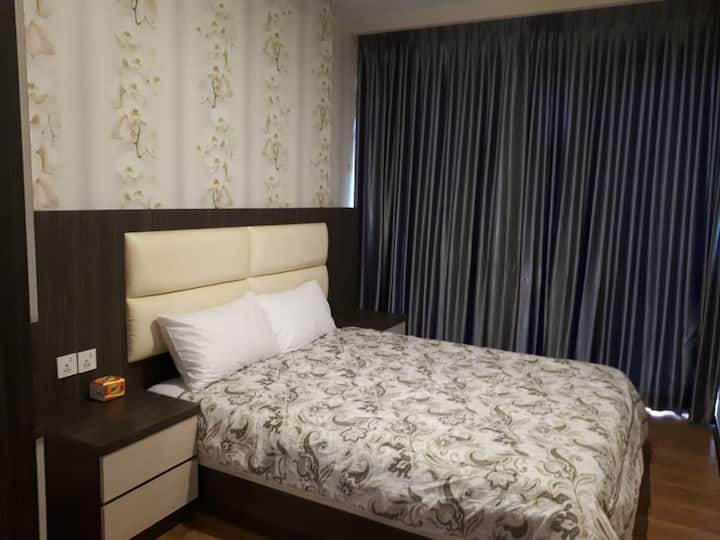 Private Room for 2 near Nagoya Hill