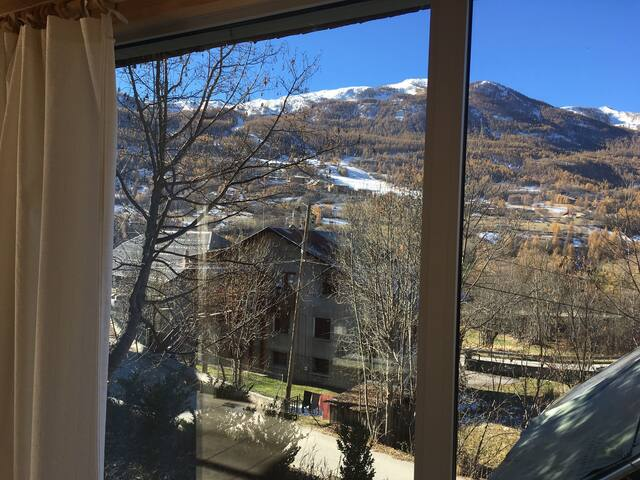 Bel appartement en Rez de jardin - Allos - House