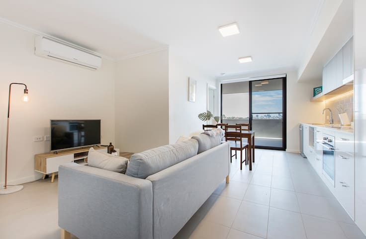 Brand New Modern Apartment with Great Location - Lutwyche