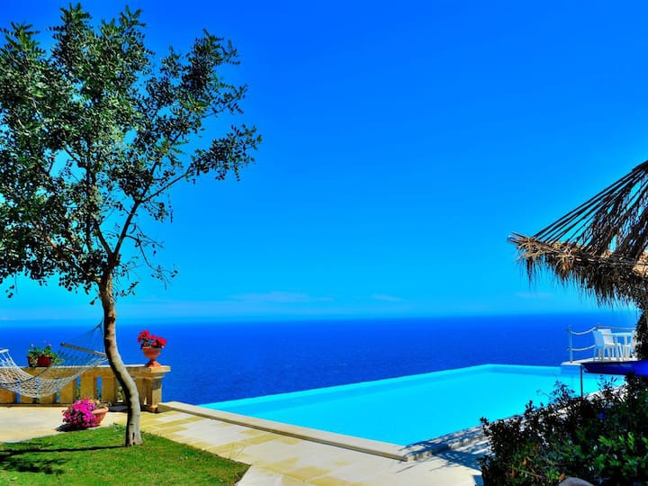 Villa con piscina esclusiva panoramica