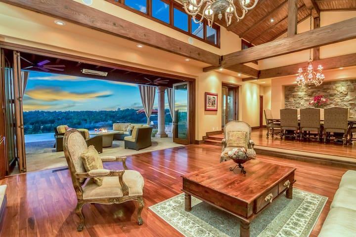 Relaxing Rancho Santa Fe Home