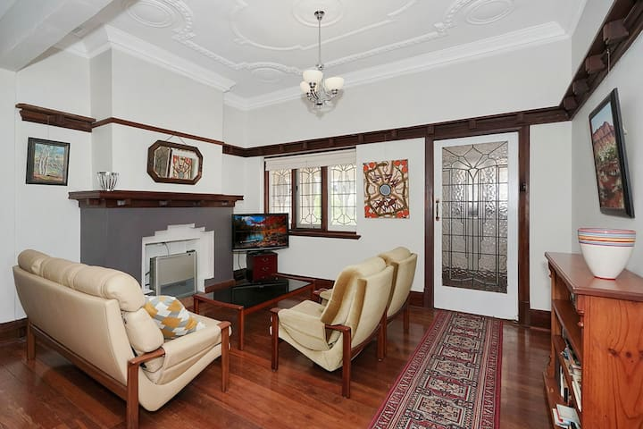 Riverside Deco Delight - Mount Lawley - Casa