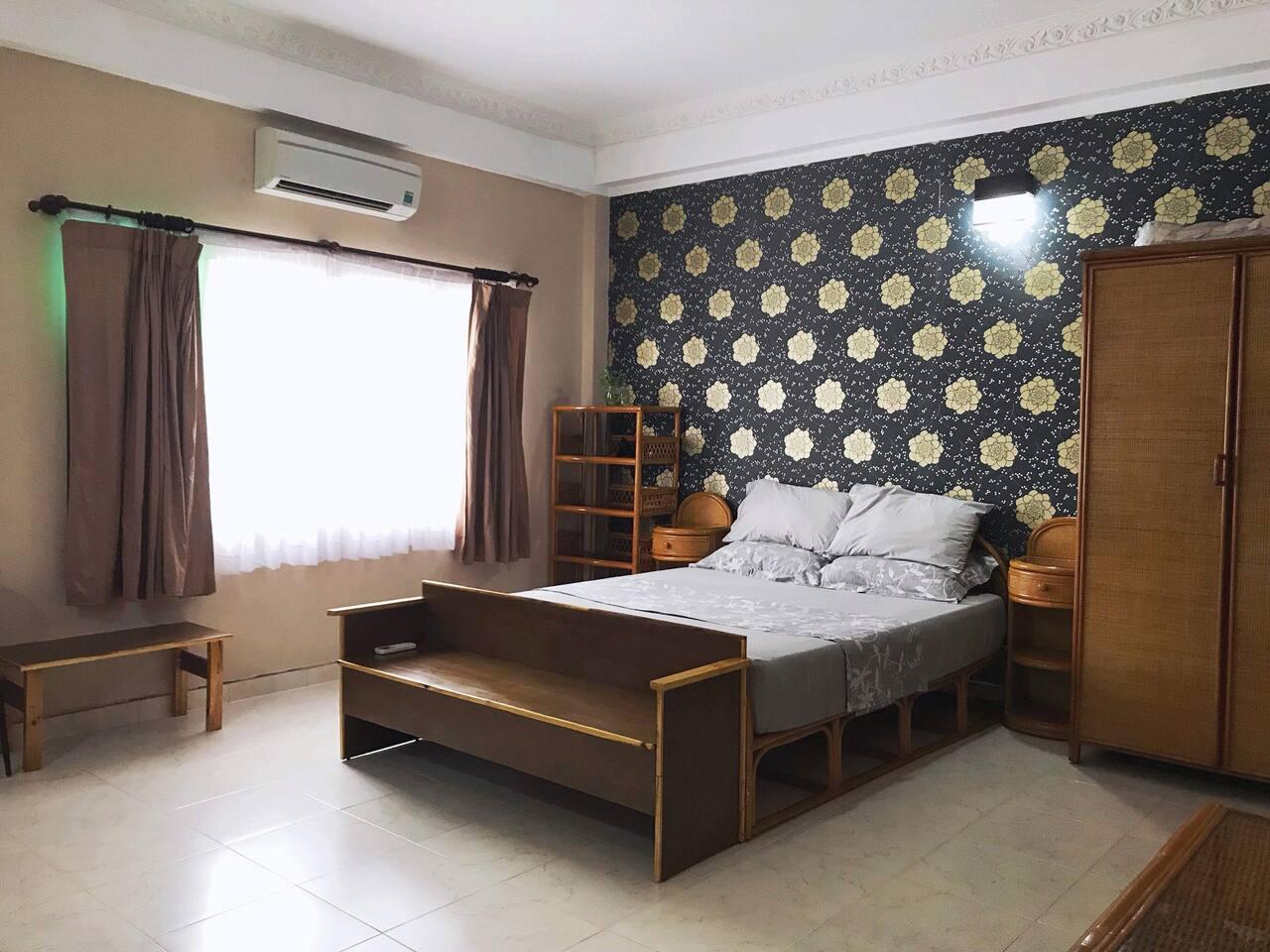 Cozy yet spacious bedroom 6x6 (meters) - bathroom not included Bed is 1.6 meters long