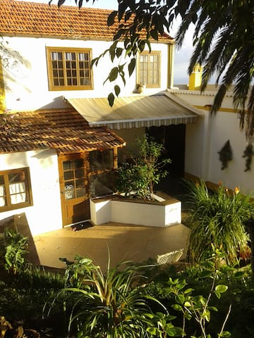 Charming chalet with beautiful garden in La Palma