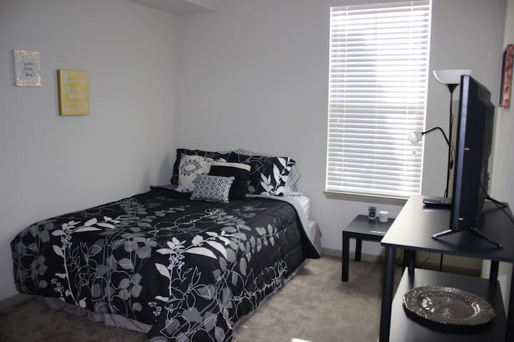 Beautiful Clean Room/Queen bed/Disney/SeaW/Outlets - Orlando
